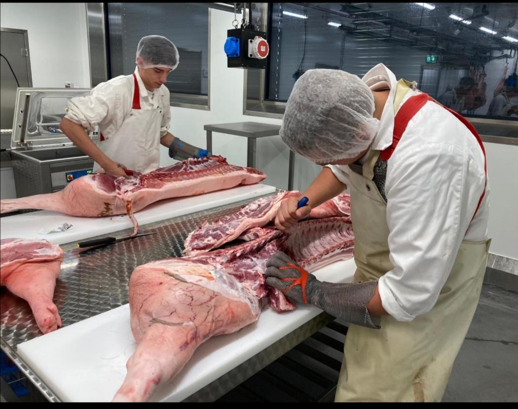 Sichere dir deinen zusätzlichen Lehrabschluss als Fleischverarbeiter*in!